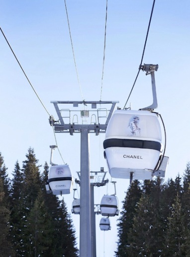 Chanel-in-Courchevel-Karl-Lagerfeld-Ski-Cable-Cars-02