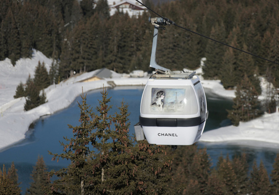 Chanel-in-Courchevel-Karl-Lagerfeld-Ski-Cable-Cars-03